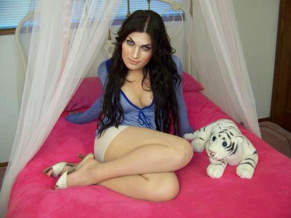 Amber Lynn Bed Set